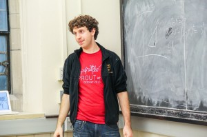 Horowitz teaches a physics course for the fall 2013 Sprout at Yale program. Sprout at Yale is an extension of Splash at Yale that Horowitz helped start. Courtesy of Ben Horowitz.