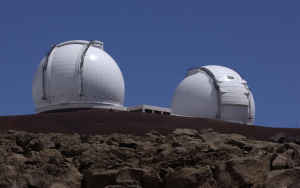 The W.M. Keck Observatory rests at the summit of Mauna Kea in Hawaii. Courtesy of Wikimedia Commons.