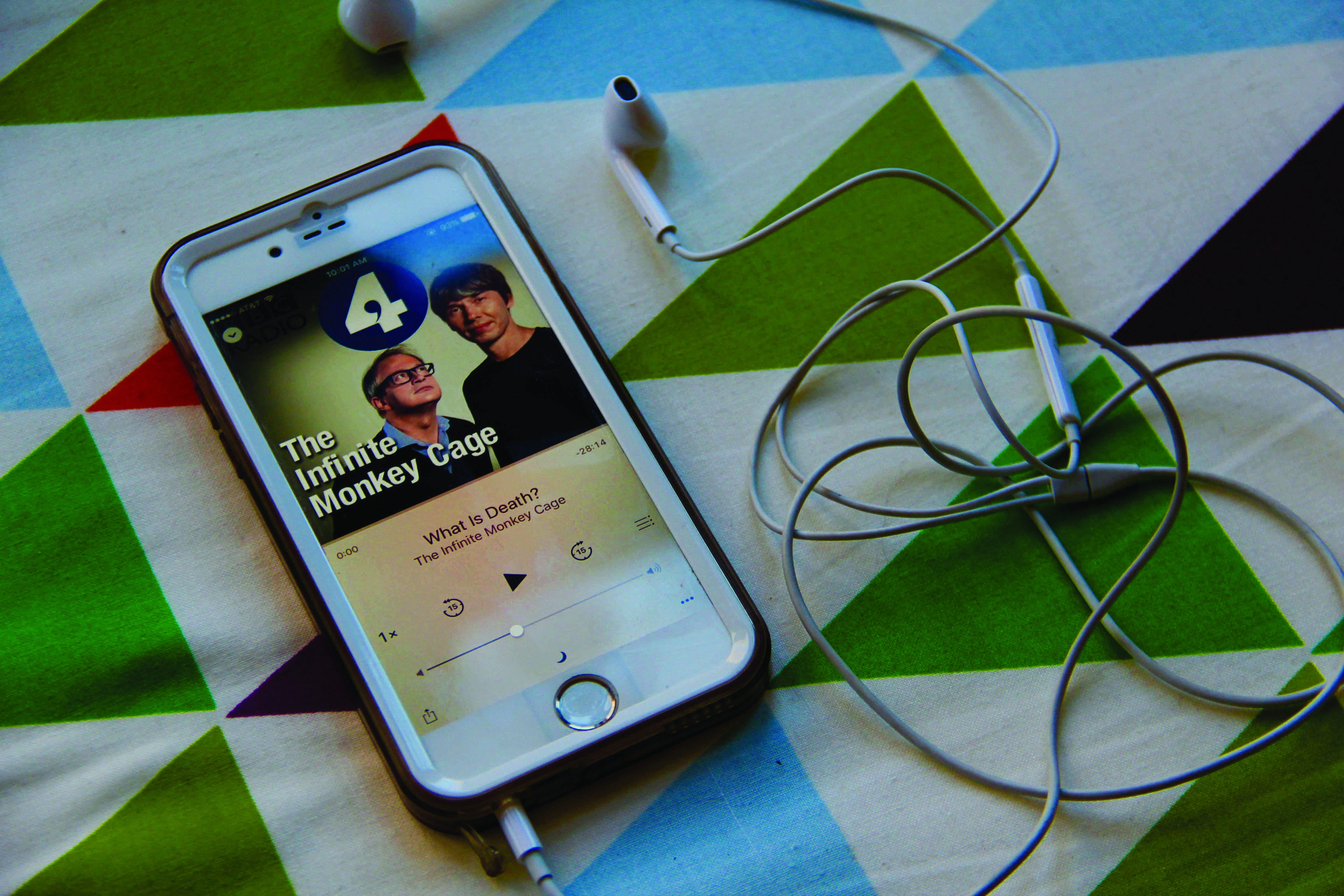 """Podcast Review: """"The Infinite Monkey Cage"""" Delights All Audiences"""