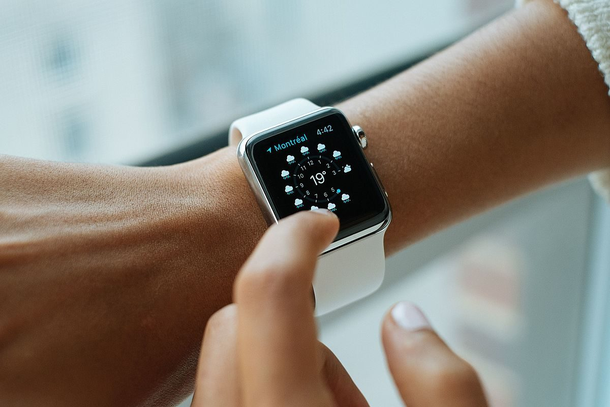 Watching Your Health with Wearables: Detecting Illnesses with Smartwatches