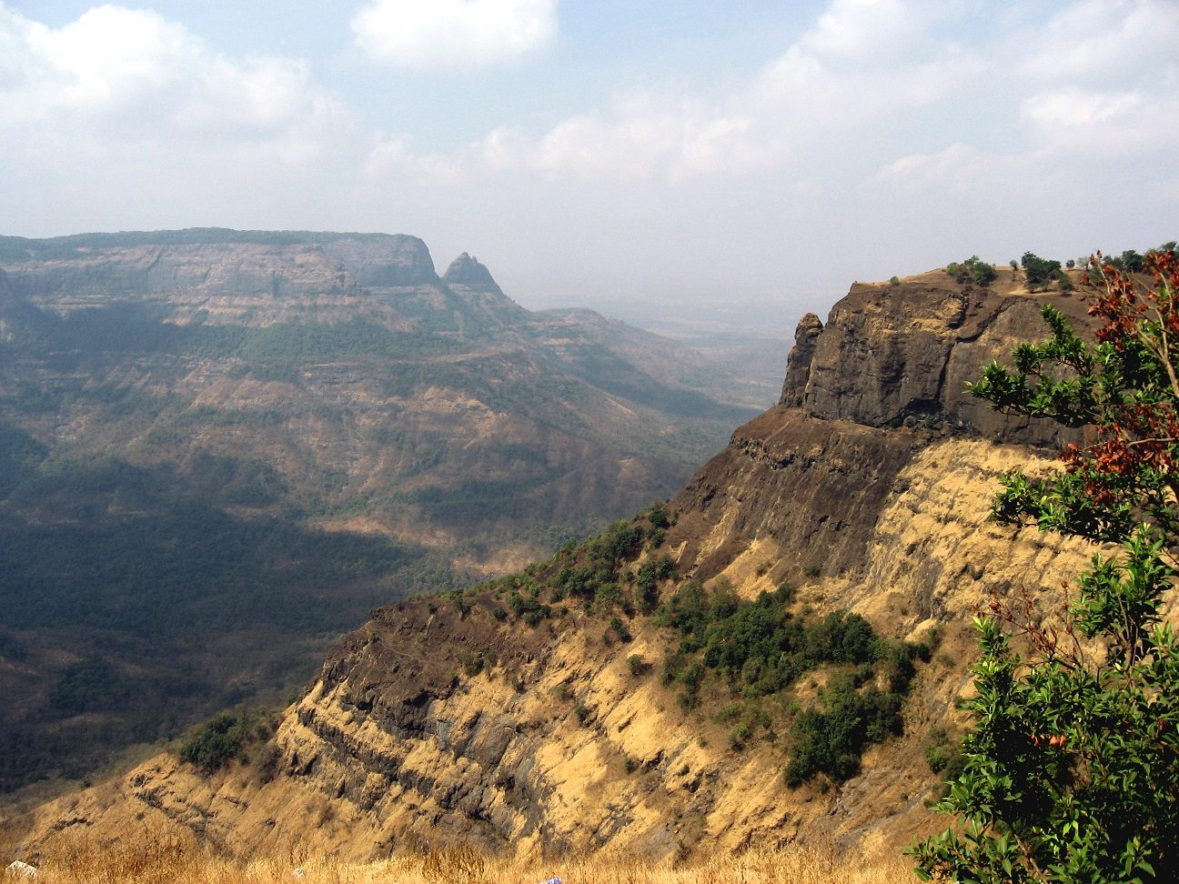 Peering Into the Earth's Violent Past : New techniques see origin of ancient volcanic eruptions