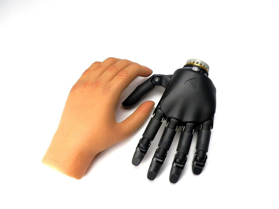 Sensational Prosthesis: prosthetic hand with nearly human capabilities